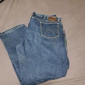 Wrangler 42x32 jeans
